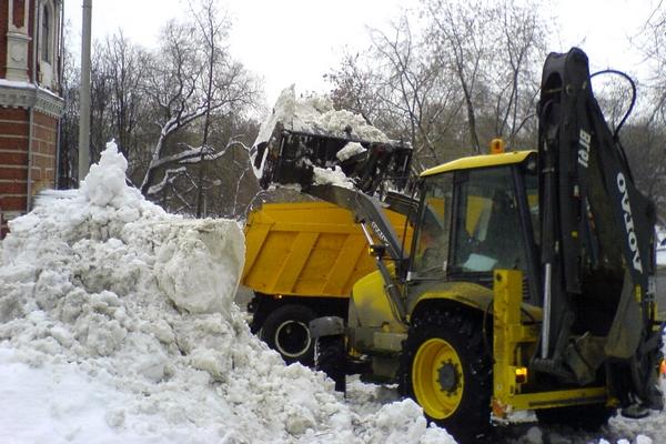 уборка и вывоз снега в Москве