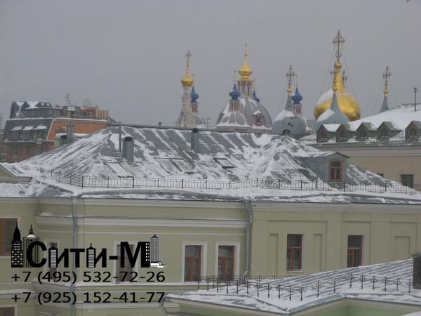 уборка снега с крыш в Москве