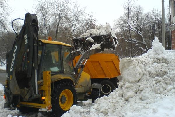 уборка снега в Москве недорого